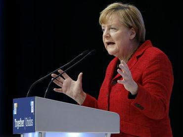 Merkel defiende superávit comercial de Alemania