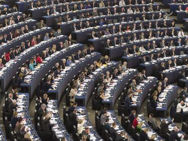Eurocámara aprueba nuevas reglas de transparencia para luchar contra el blanqueo de dinero