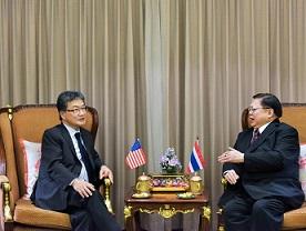 Tailandia, bajo presión de EEUU para aislar a Corea del Norte
