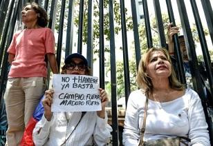 Oposición venezolana se concentró en rechazo a elecciones anticipadas